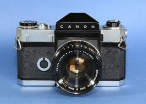 Canon R.01